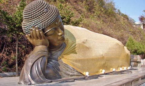 Manbulsa_Nirvana_statue,_or_Reclining_Buddha_11-10250